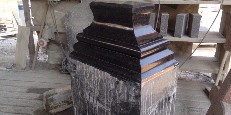 Изготовление надгробия на могиле отца Ианнуария